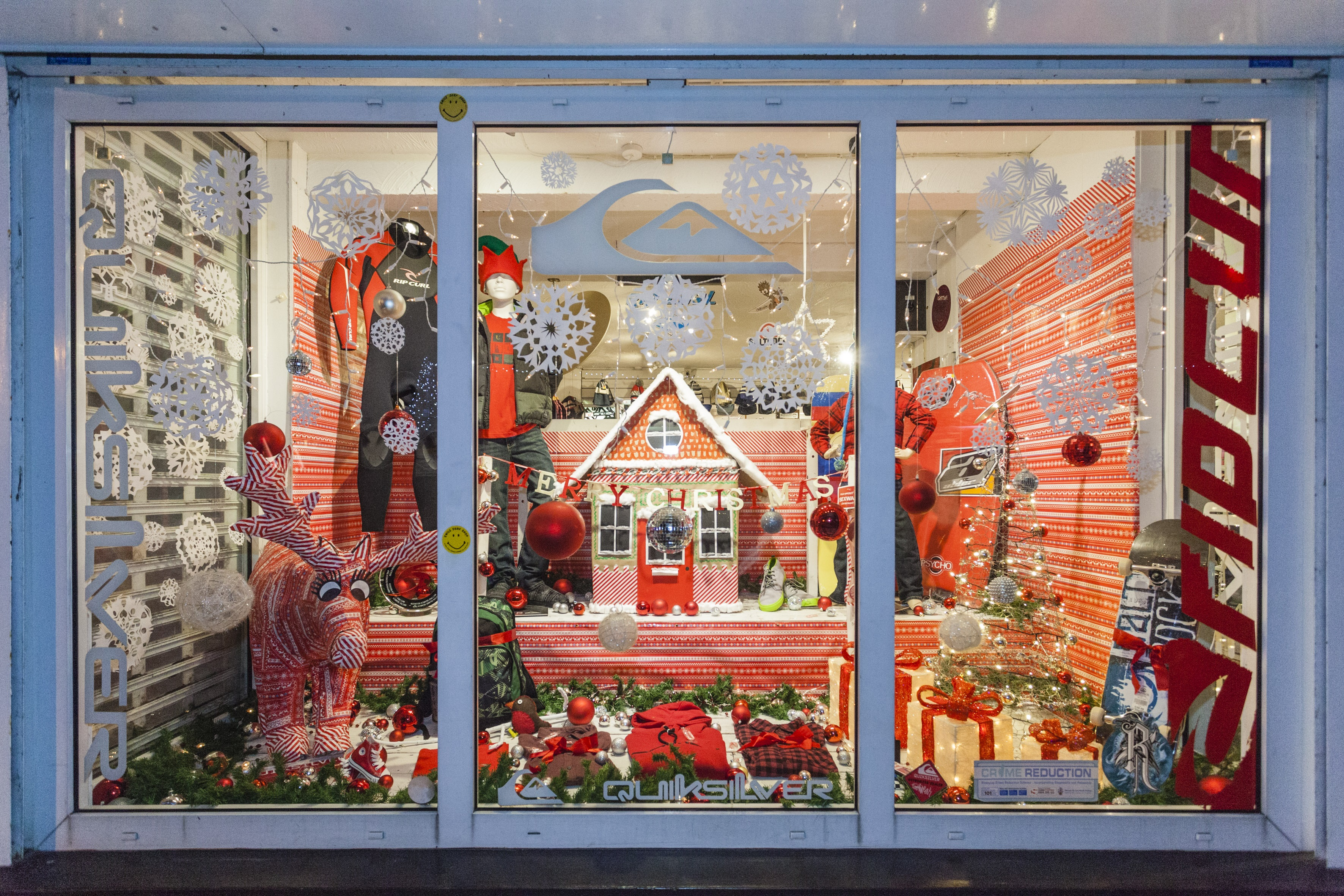 Newquay business improvement district newquay retailers for Window wonderland
