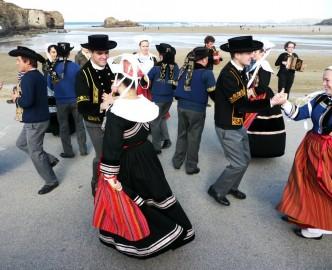Lowender Peran - Street Dancing